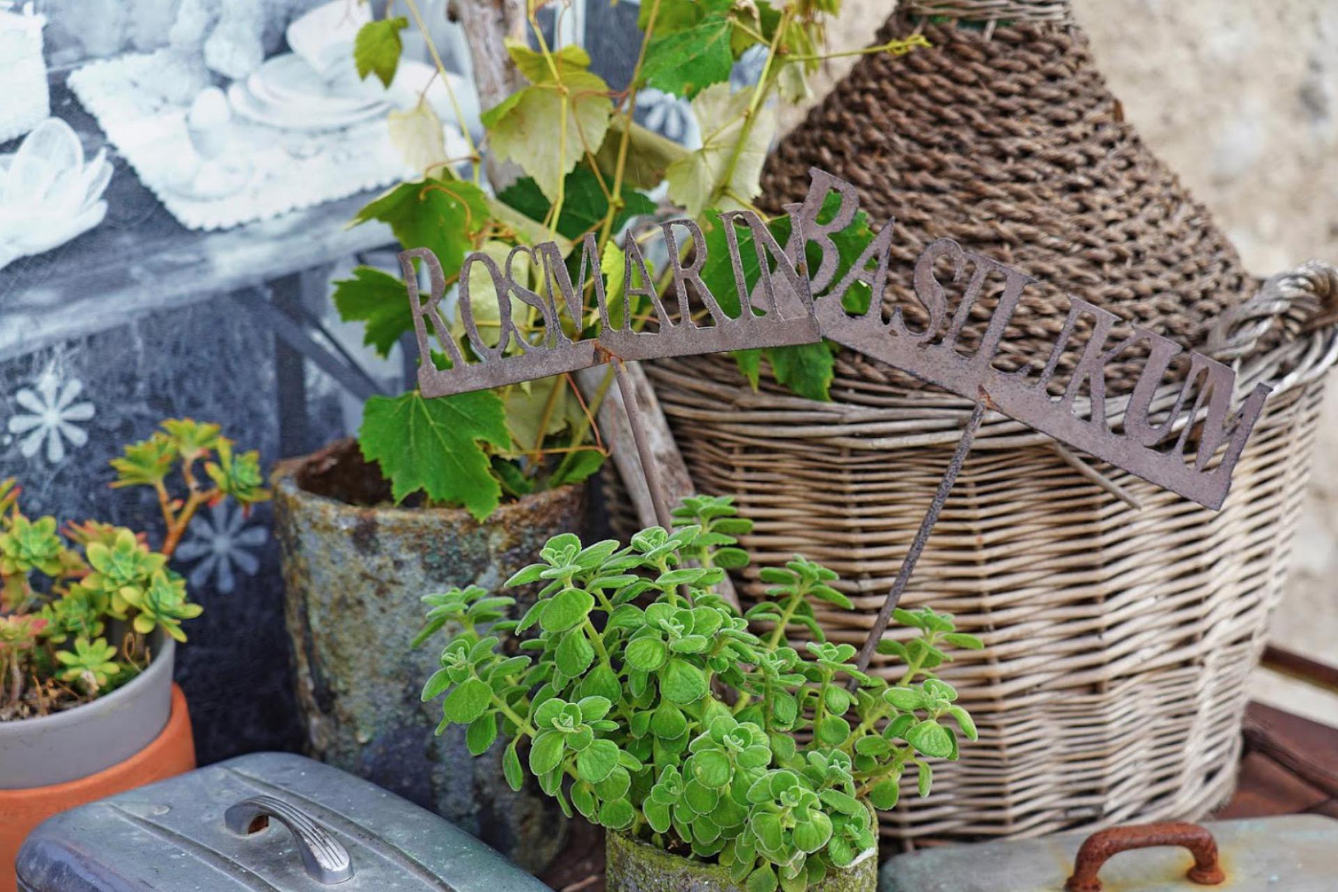 Agriturismo Lake Como and Lake Garda Agriturismo overlooking Lake Garda and stylish interior