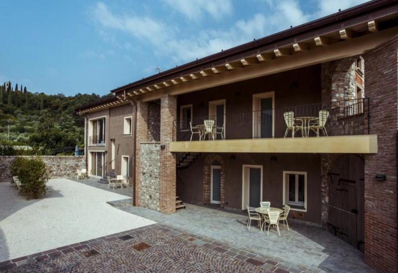 Agriturismo Lake Como and Lake Garda Apartments in characteristic village near Lake Garda