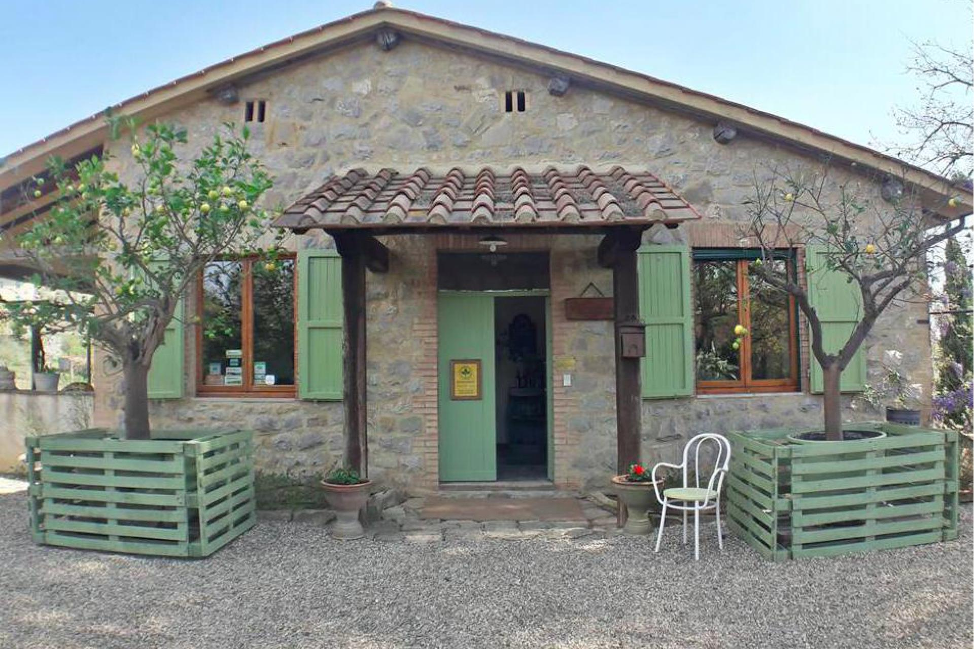 Agriturismo Tuscany Authentic agriturismo and winery in Chianti, Tuscany