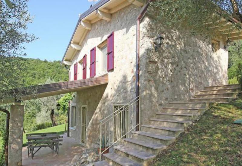 Agriturismo Lake Como and Lake Garda Charming country house with pool and views of lake Garda