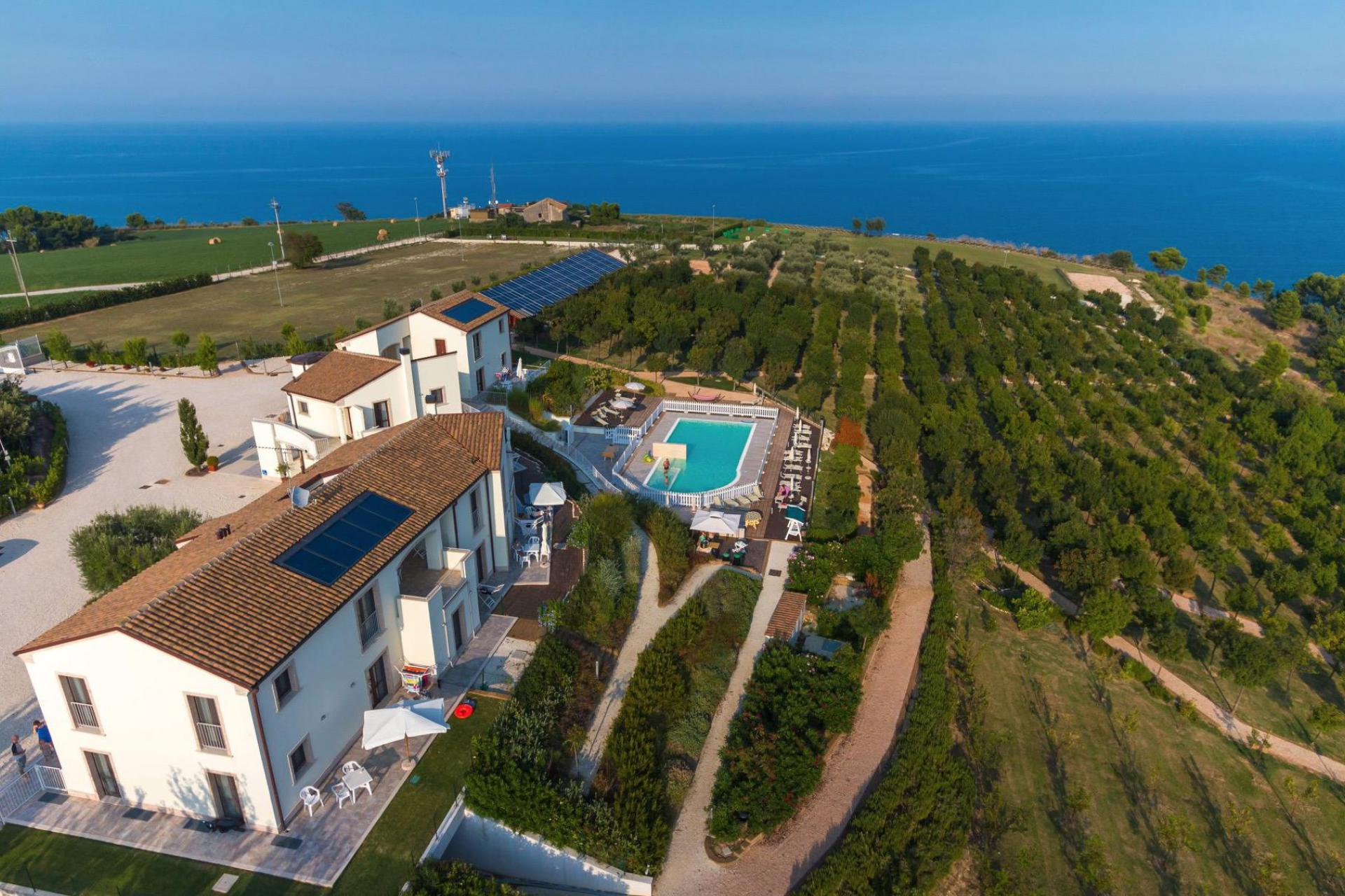 Agriturismo Marche Child-friendly agriturismo Marche with sea view