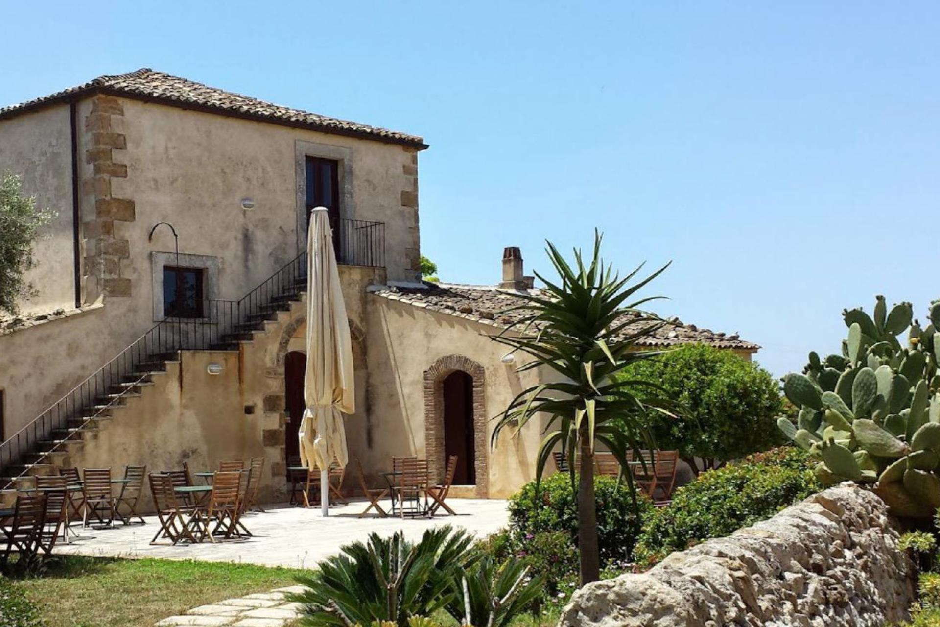 Agriturismo Sicily Cosy agriturismo in Sicily with restaurant