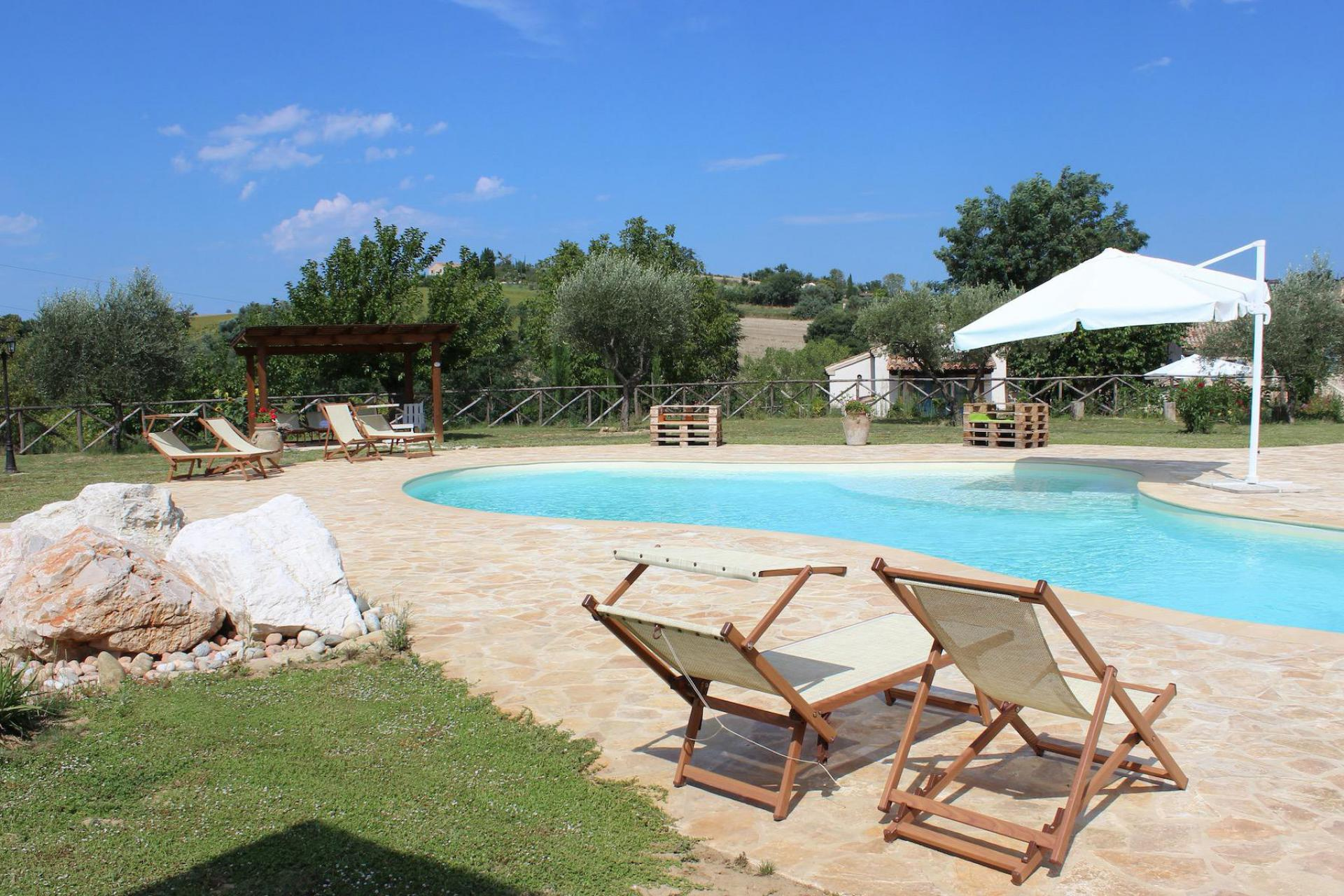 Agriturismo Marche Cosy agriturismo near authentic village in Marche