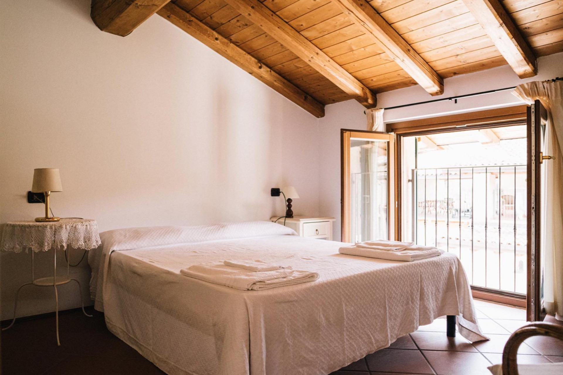 Agriturismo Lake Como and Lake Garda Family-friendly agriturismo lake Garda centrally located