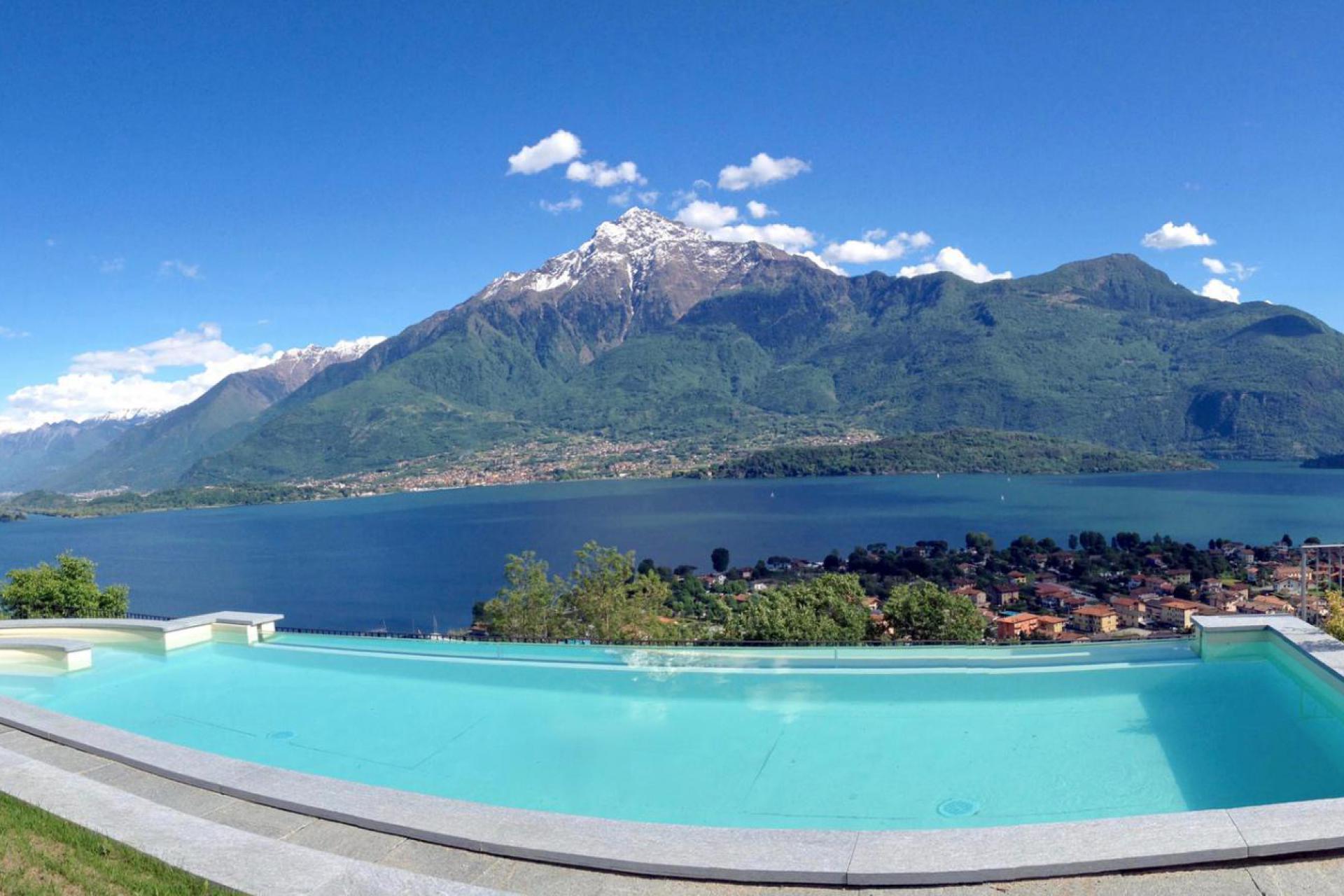 1. Kleine residence met uitzicht op het meer en de bergen