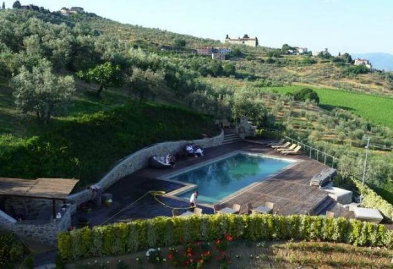 Agriturismo Tuscany Lively agriturismo with rooms in Tuscany