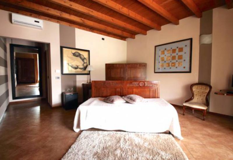 Agriturismo Lake Como and Lake Garda Luxury agriturismo Lake Garda with good restaurant