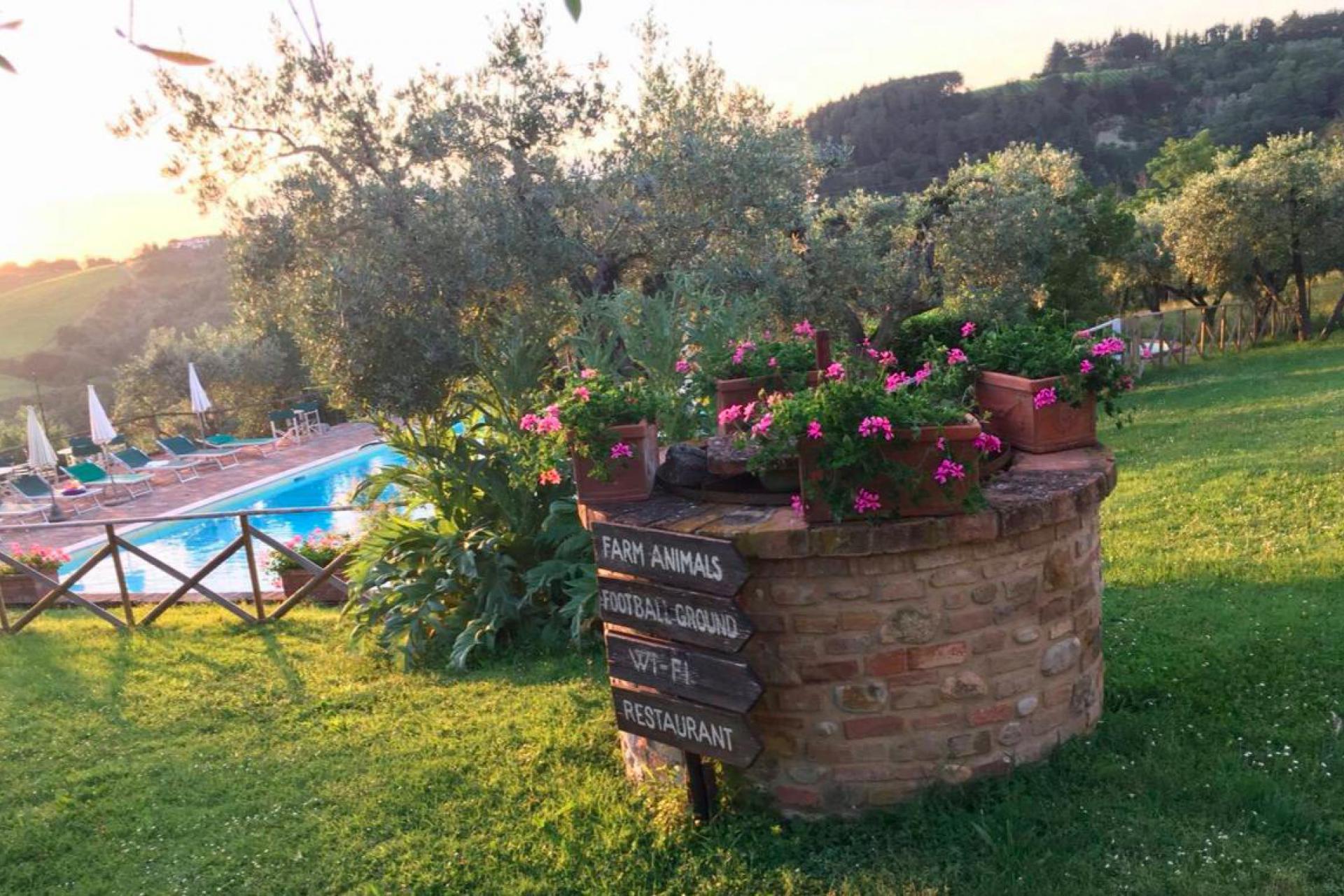 Agriturismo met restaurant ten zuiden van Florence
