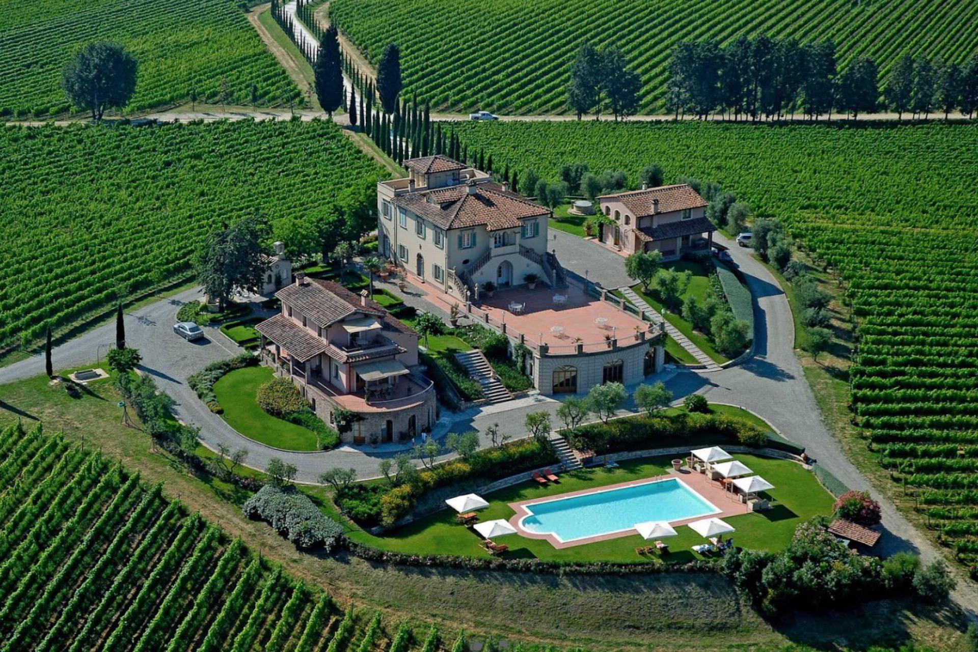 Luxe wijnhuis met appartementen