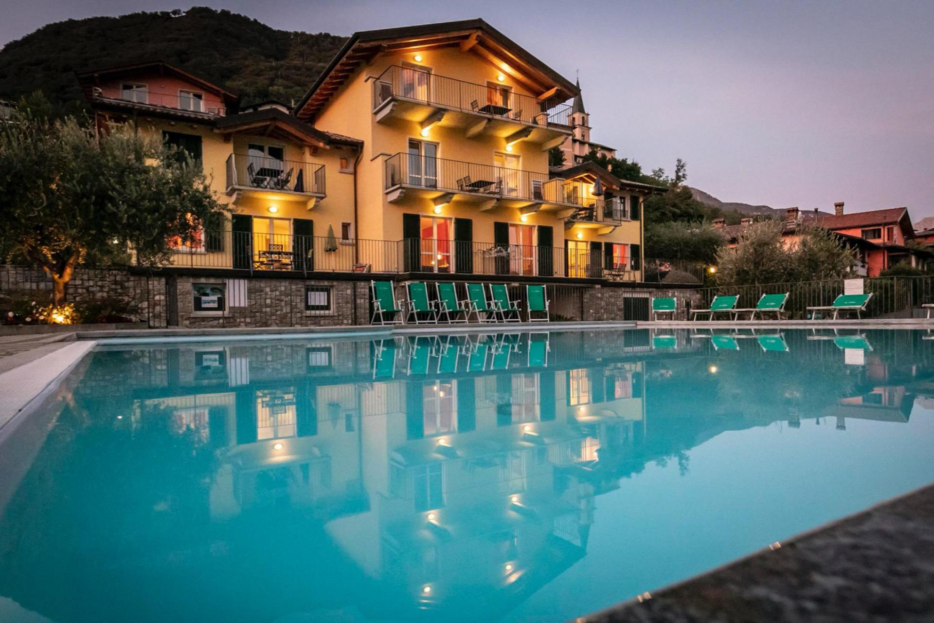 Residence met peuterbad en uitzicht op Comomeer