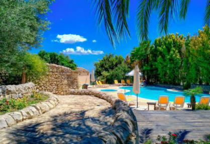 Agriturismo Sicily, luxury rooms and top restaurant
