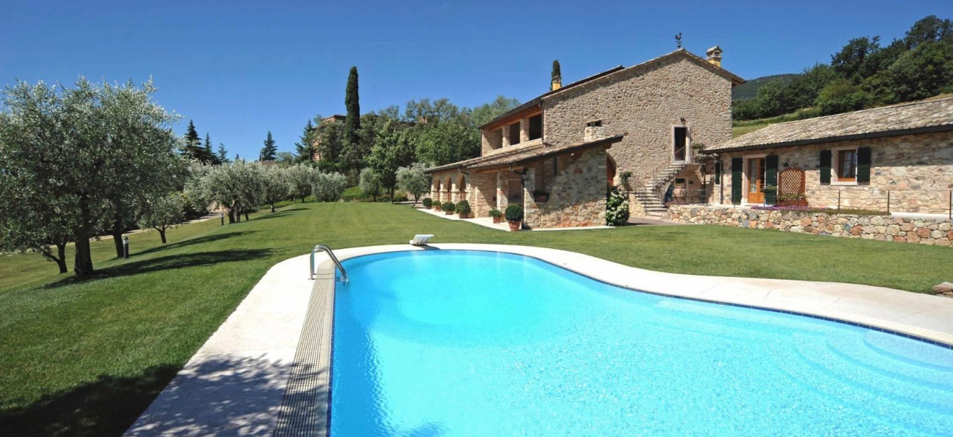 Agriturismo Lake Como and Lake Garda Agriturismo Lake Garda, lovely apartments with terrace