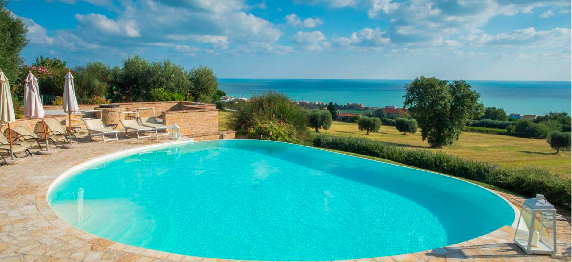 Agriturismo Marche Agriturismo Marche, elegant rooms and a sea view
