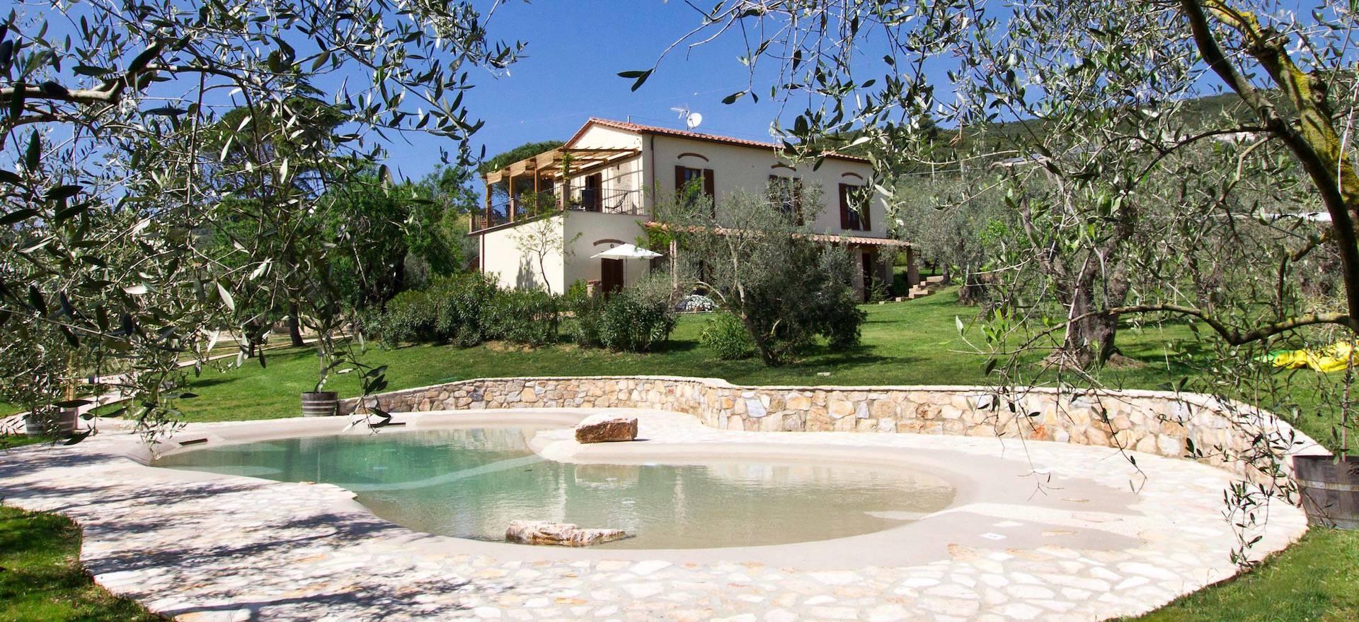 Agriturismo Tuscany Agriturismo Tuscany, in olive grove near the sea