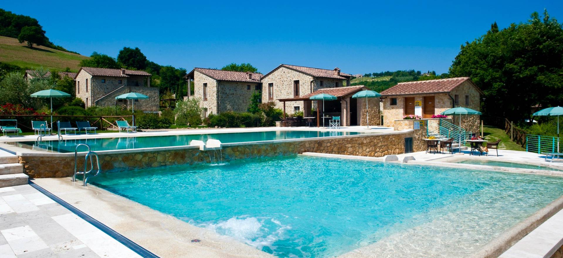 Agriturismo Tuscany Country resort in Tuscany with restaurant and beautiful pool
