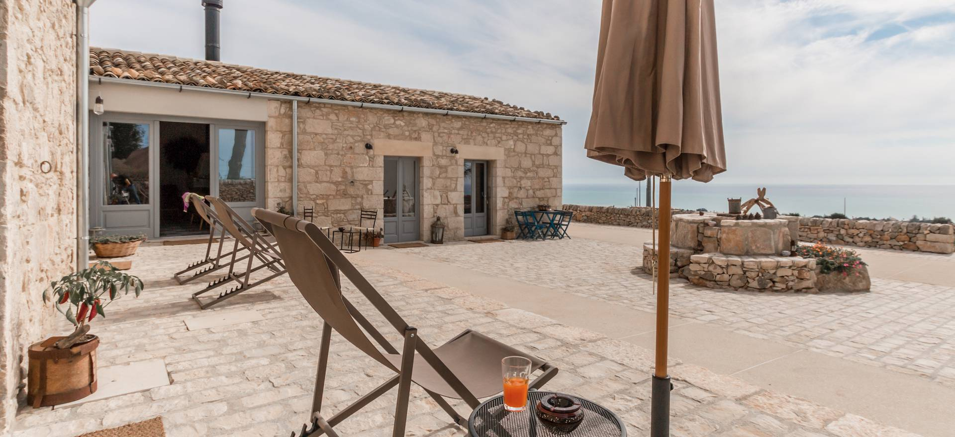 Agriturismo Sicily Great Sicilian hospitality and sea views!