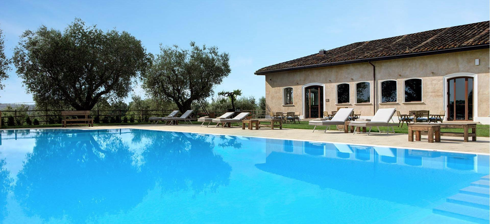 Agriturismo Umbria Luxury agriturismo near Rome with restaurant and swimming pool