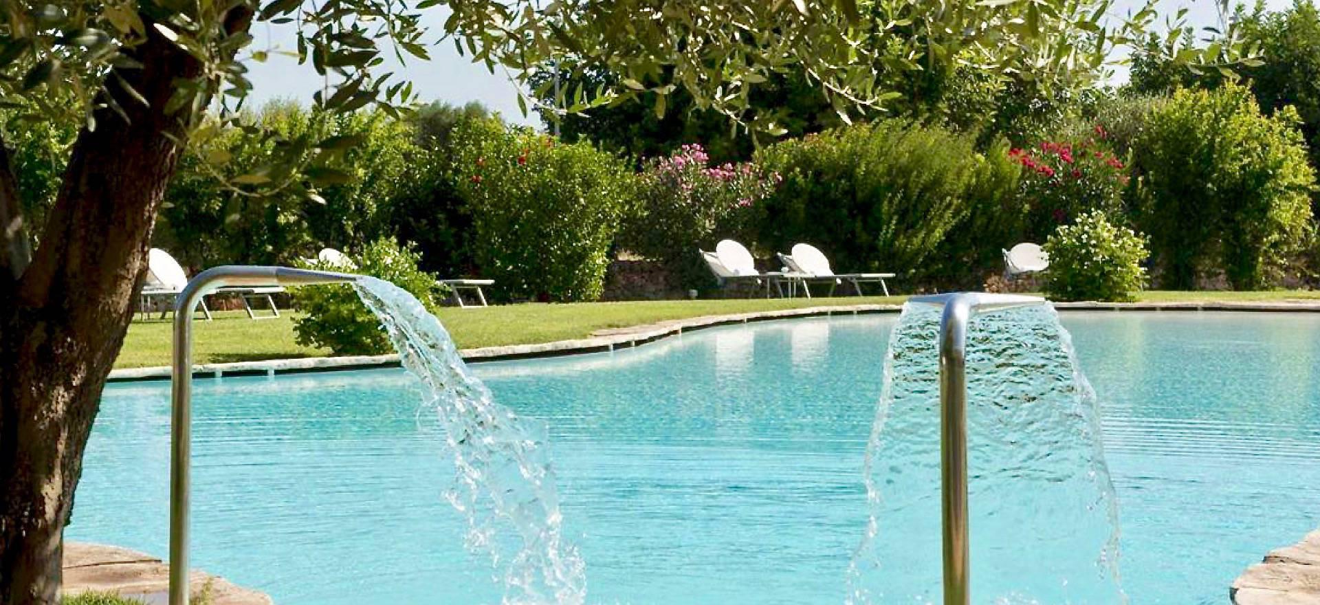 Agriturismo Puglia Luxury agriturismo with large pool, near the sea