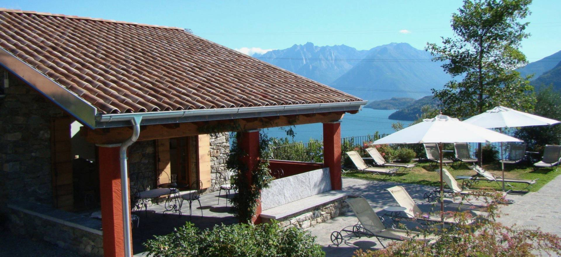 Agriturismo Lake Como and Lake Garda Luxury agriturismo with pool overlooking Lake Como!
