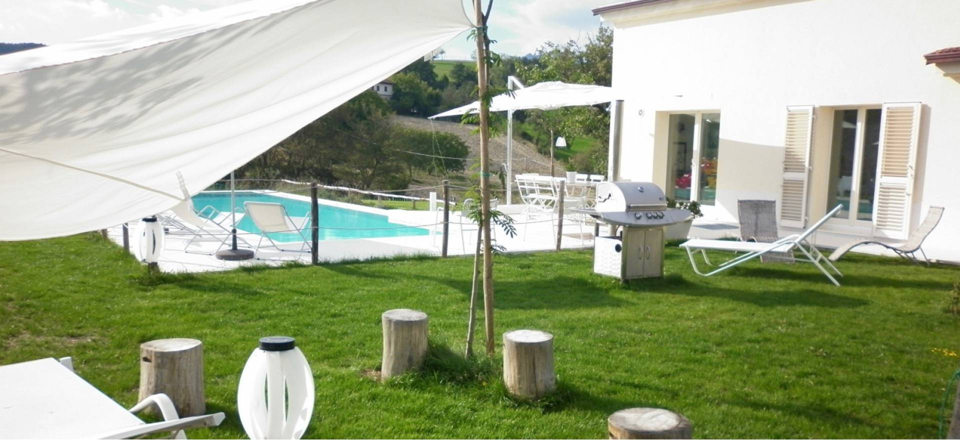 Agriturismo Marche Luxury private villa & pool between Umbria and Marche
