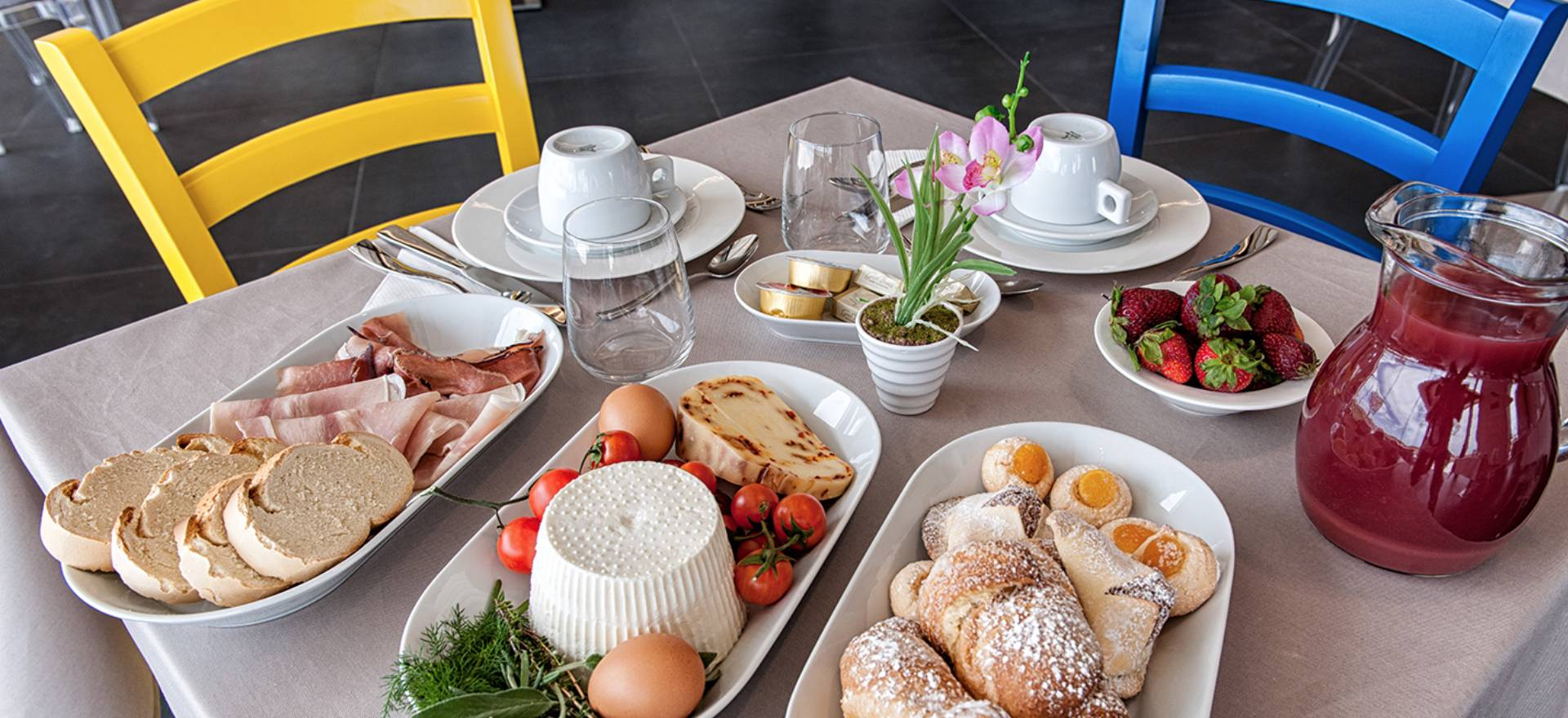 Agriturismo Sicily Restored agriturismo with good Sicilian restaurant