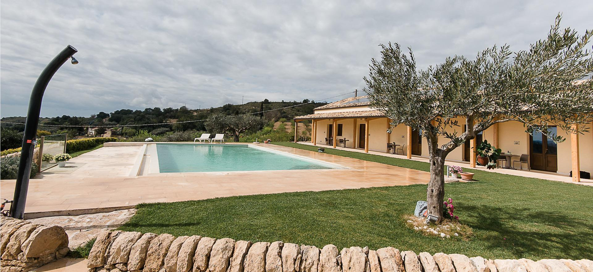 Agriturismo Sicily Small and cozy agriturismo hidden among almond and olive trees
