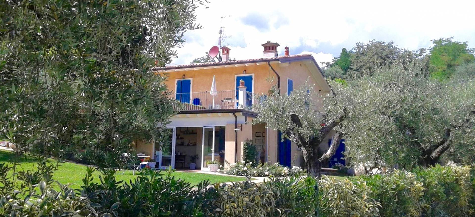 Agriturismo Lake Como and Lake Garda Small cozy agriturismo in an olive grove near Lake Garda