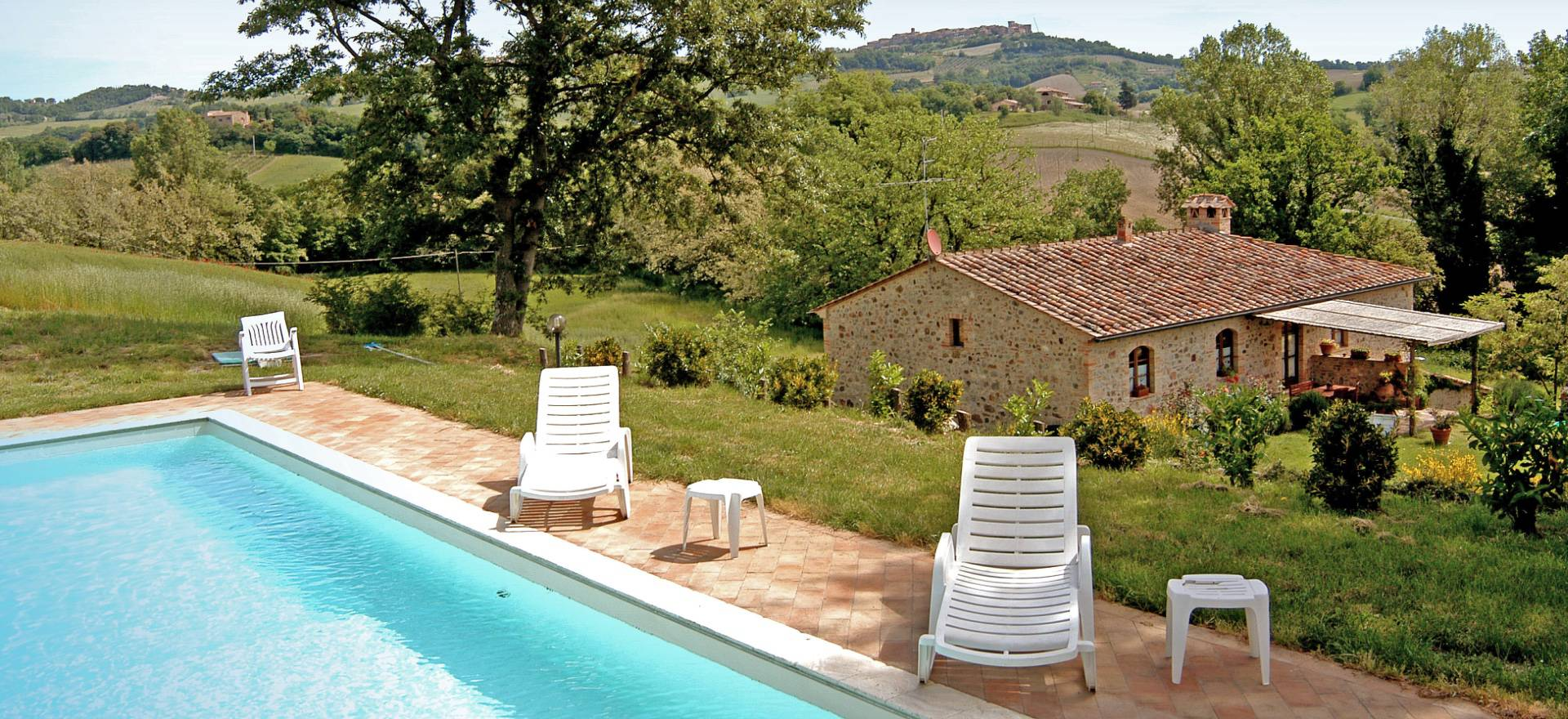 Agriturismo Tuscany Two farmhouses in Tuscany with private swimming pool
