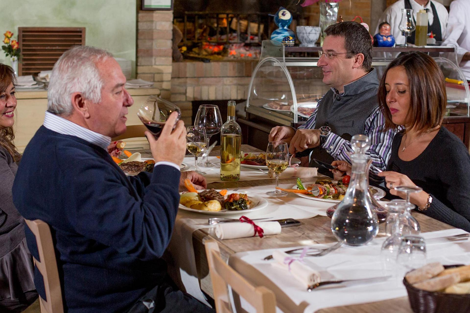 Agriturismo Le Marche Mooie agriturismo in le Marche met restaurant en bij zee