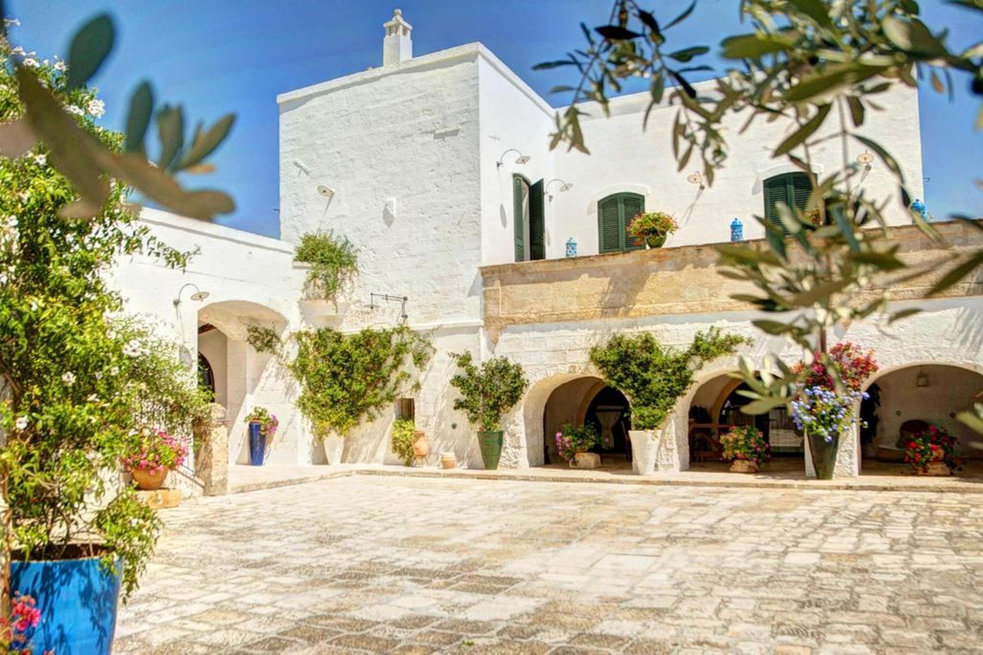 Agriturismo Puglia Karakteristieke agriturismo met fantastisch zwembad in Puglia