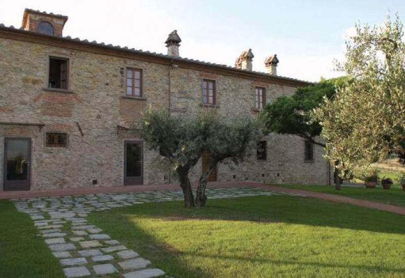 Agriturismo Toscane Agriturismo in Toscane, kamers en zwembad