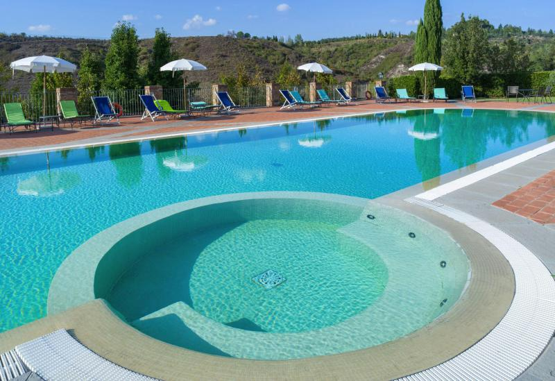 Centrally located agriturismo with a large swimming pool