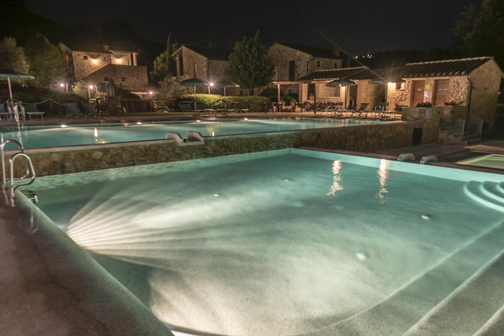 Familie resort met 4 zwembaden en restaurant