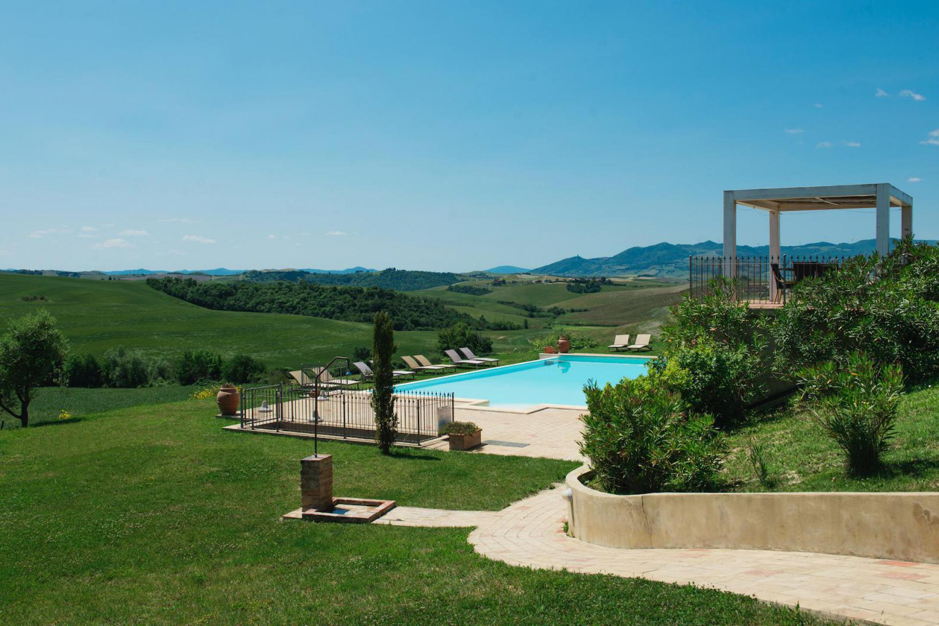Family-friendly agriturismo near Volterra