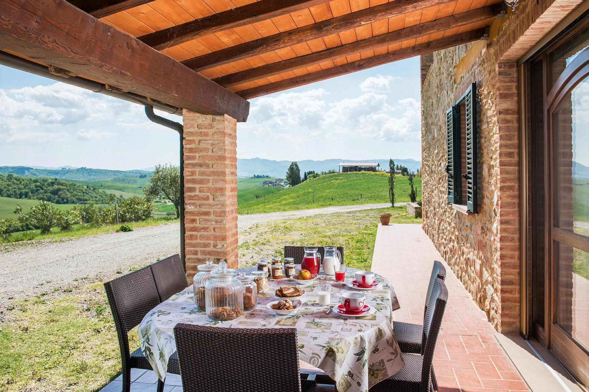 Child-friendly agriturismo with shared dinners