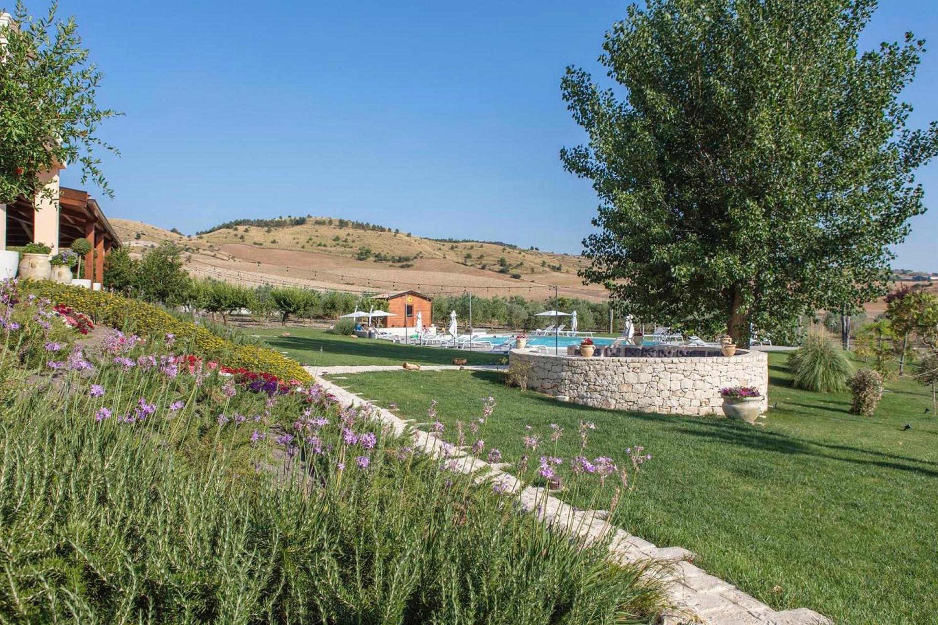 Agriturismo Sicilie Kindvriendelijke agriturismo Sicilië met prachtig zwembad