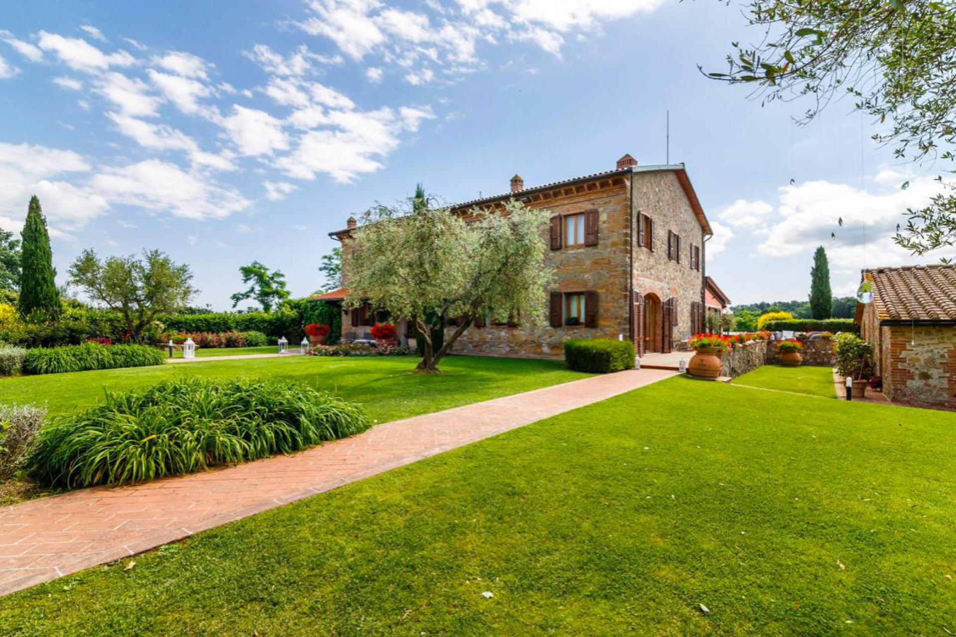 Agriturismo Toscane Grote agriturismo Toscane met zwembad | myitaly.nl