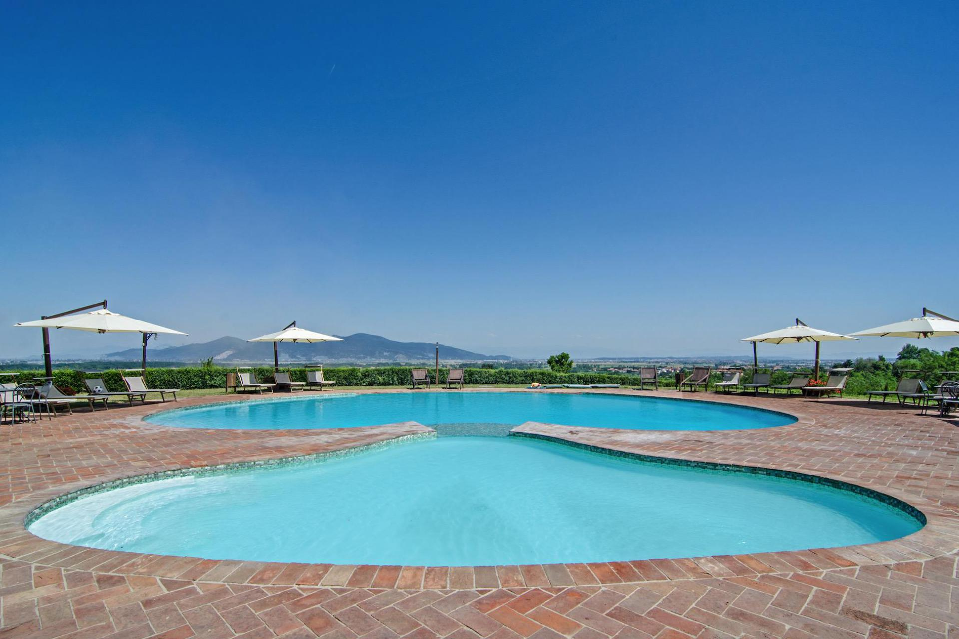 Agriturismo Toscane Agriturismo met panoramisch zwembad in Toscane | myitaly.nl