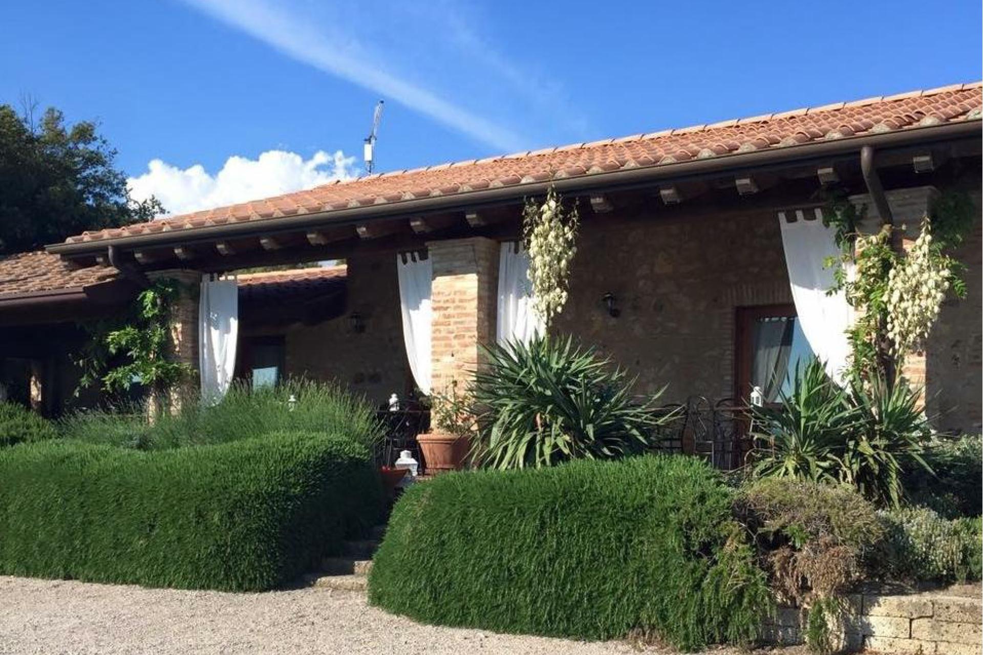 Agriturismo Toscane Kleine vakantie-boerderij in de Toscaanse heuvels