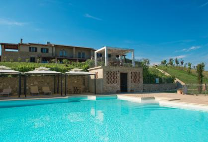 Fun agriturismo in Tuscany with panoramic swimming pool