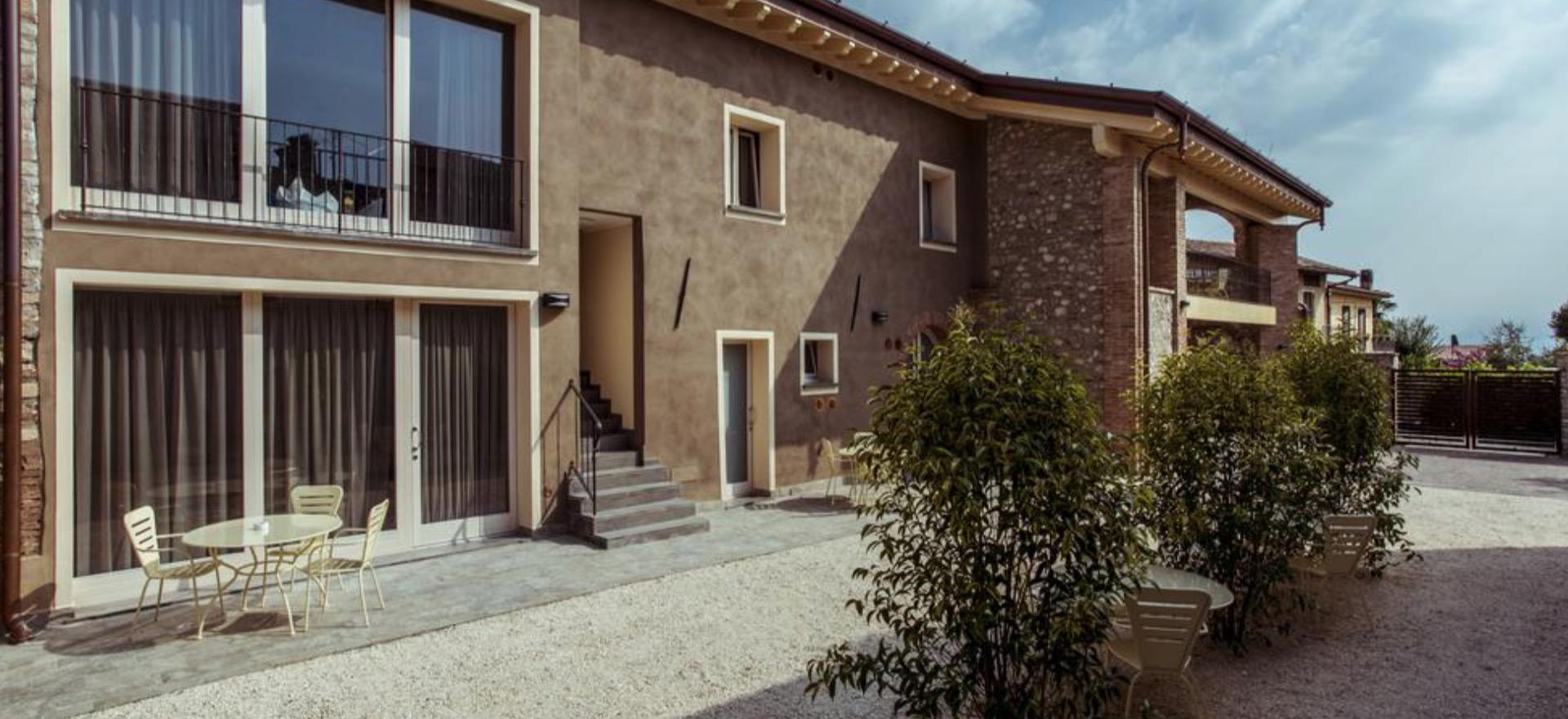 Appartementen in karakteristiek dorpje bij het Gardameer