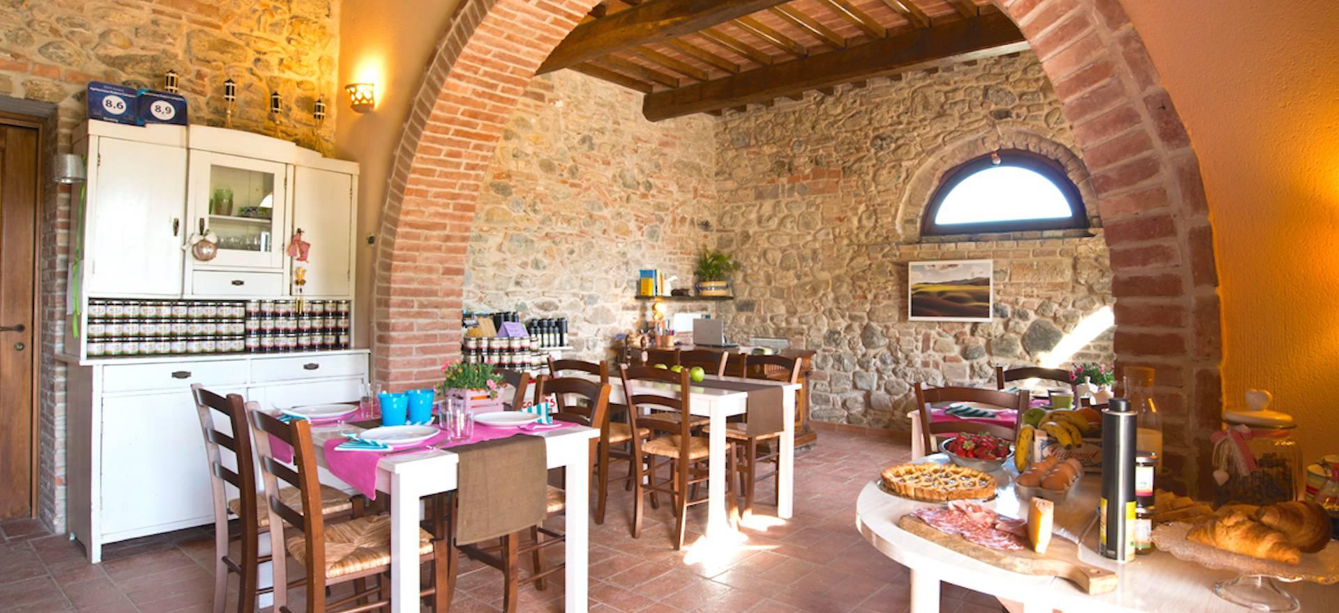 Agriturismo Toscane Gemoedelijke agriturismo met uitzicht op Volterra, Toscane