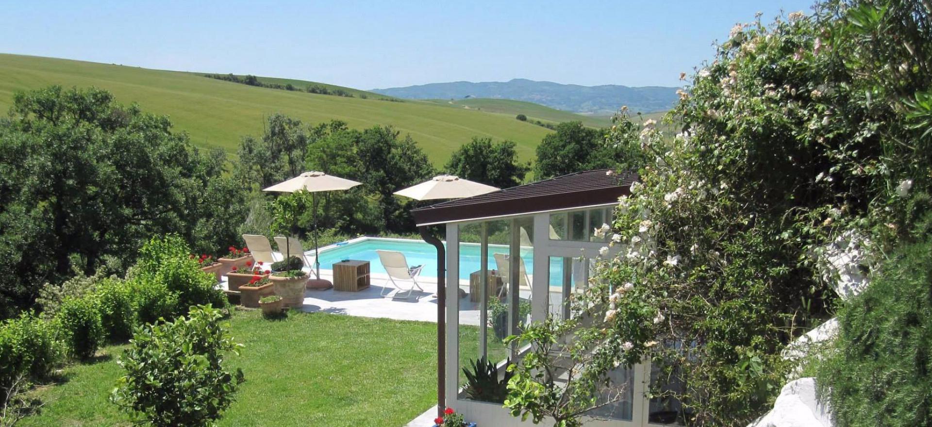 Kleine vakantie-boerderij in de Toscaanse heuvels