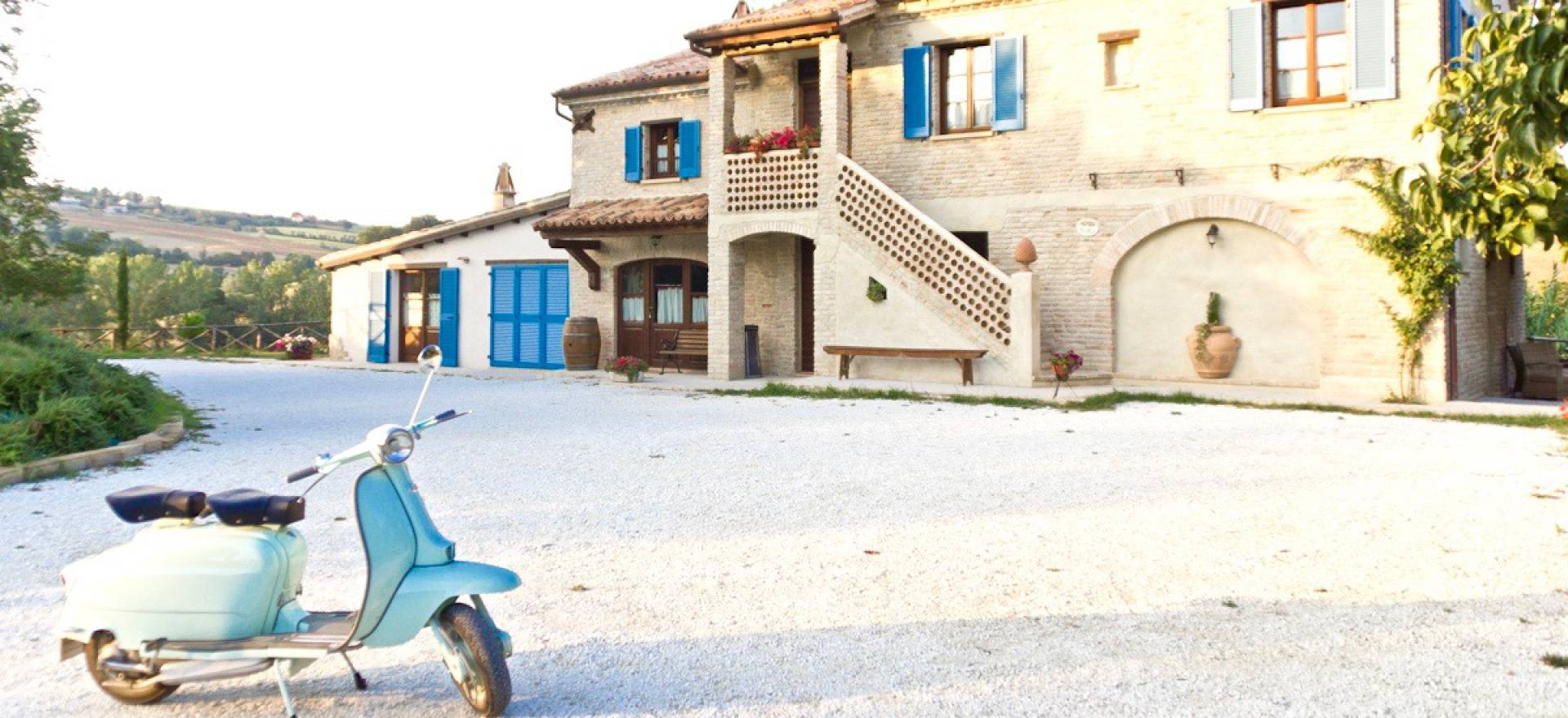 Agriturismo Le Marche Knusse agriturismo bij authentiek dorpje in le Marche
