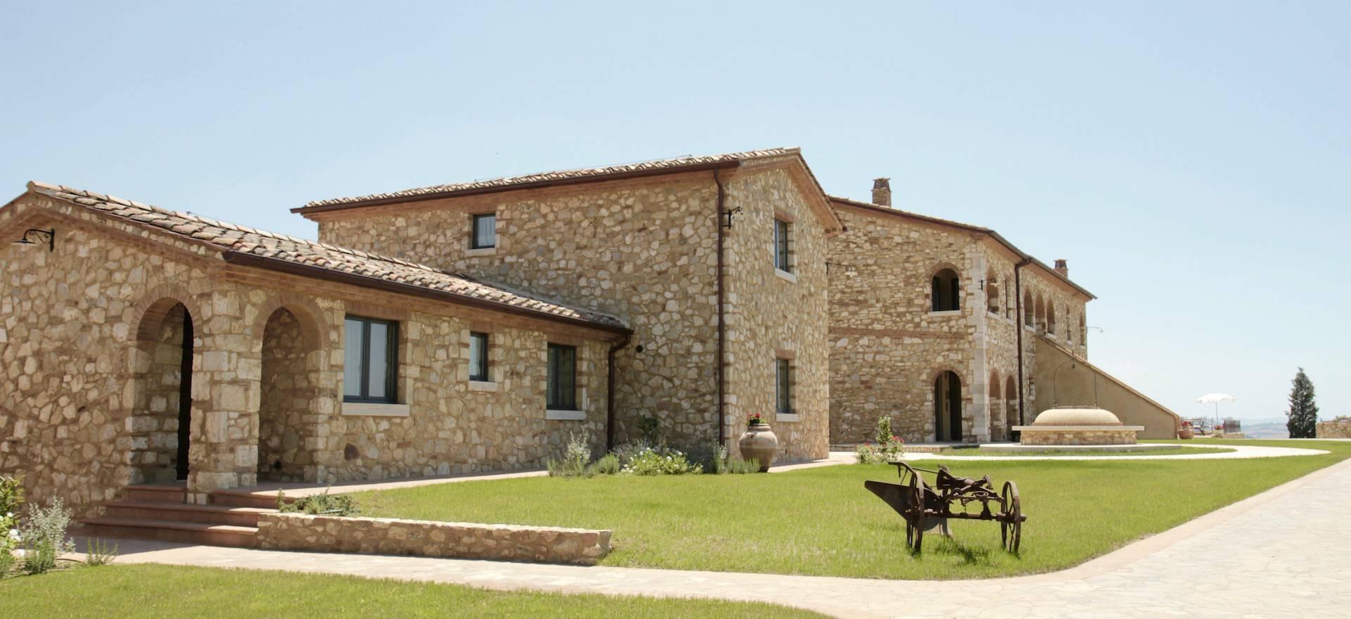 Prachtige olijfolieboerderij ten oosten van Siena