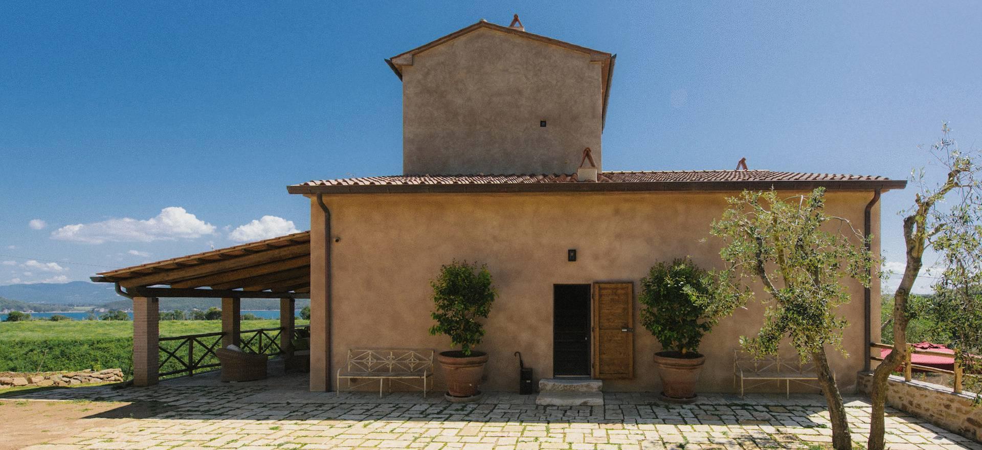 Luxe agriturismo Toscane met uitzicht op zee