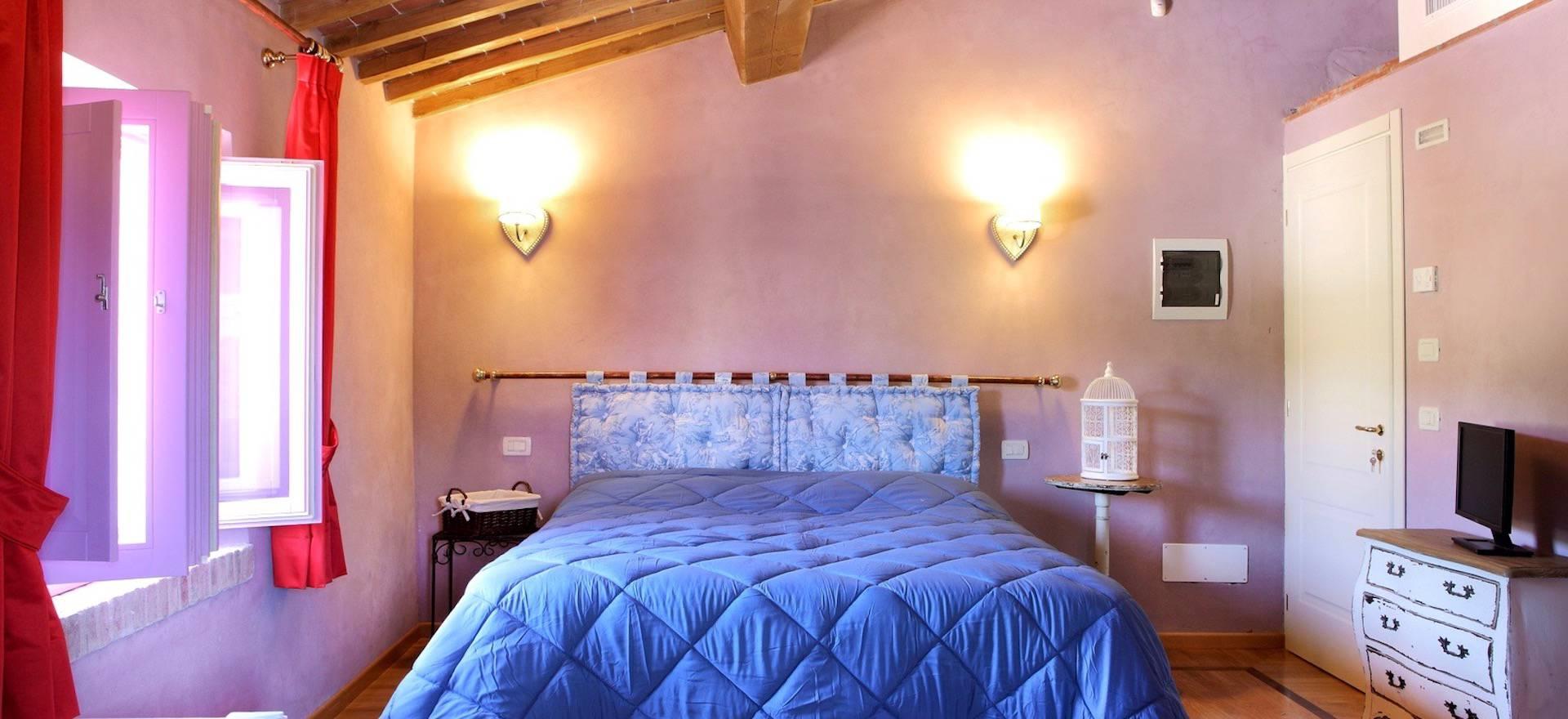 Agriturismo Toscane Zeer sfeervolle kamers in een agriturismo in Toscane
