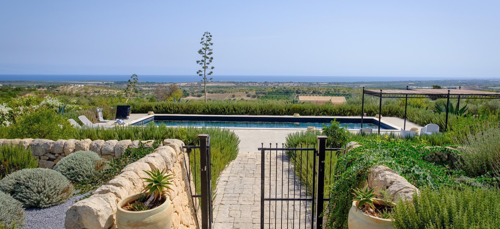 Villa met zeezicht en privè zwembad in Sicilië