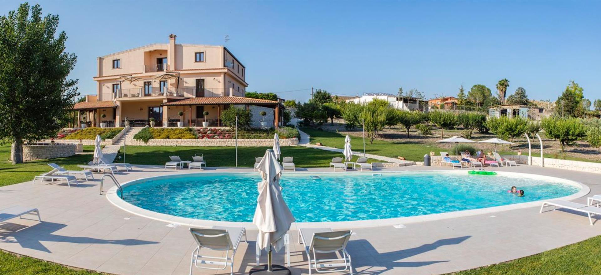 Kindvriendelijke agriturismo Sicilië met prachtig zwembad