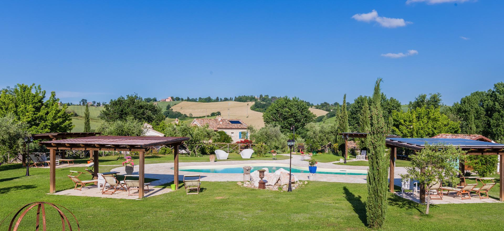 Knusse agriturismo bij authentiek dorpje in le Marche